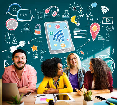 gente adulta: Social Media Wireless Online Networking Connection Concept