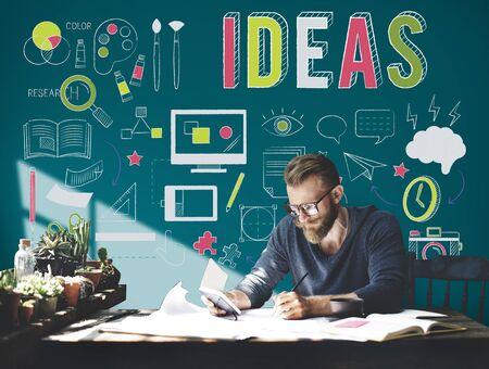 pensamiento creativo: Ideas proceso del pensamiento crítico de palabras concepto
