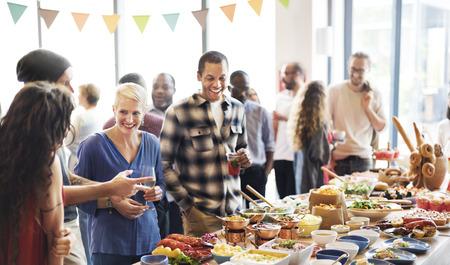 La comida del buffet Catering Comer Comer partido concepto Sharing
