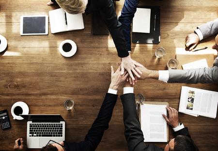 비즈니스 사람들이 팀웍 협력 관계 개념