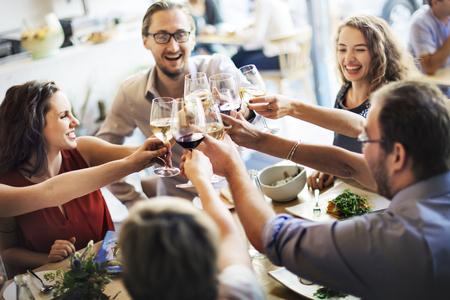 Mahlzeit-Nahrungsmittelparty feiern Café-Restaurant-Ereignis-Konzept Standard-Bild