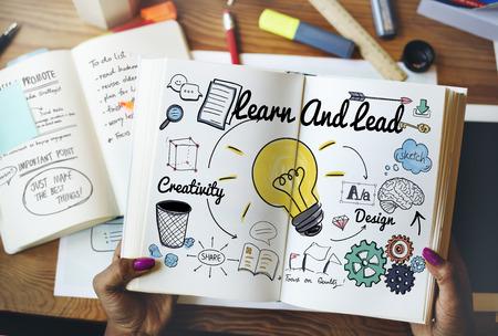 Leer en Lead Onderwijs Kennis Ontwikkeling Concept Stockfoto