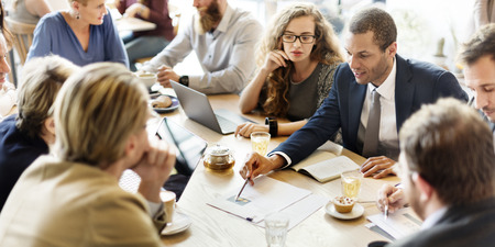 Деловая встреча команды Стратегия маркетинга Кафе Концепция
