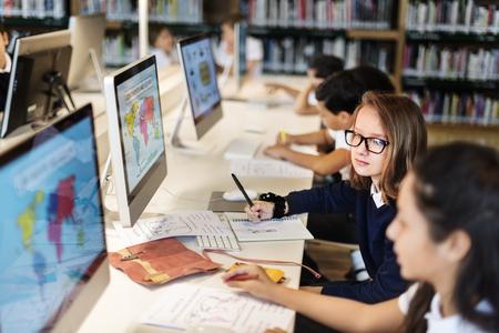 Onderwijs School Student Computer Network Technology Concept Stockfoto