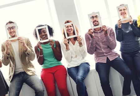 Encadrez Collègues Visage Communication Concept d'entreprise