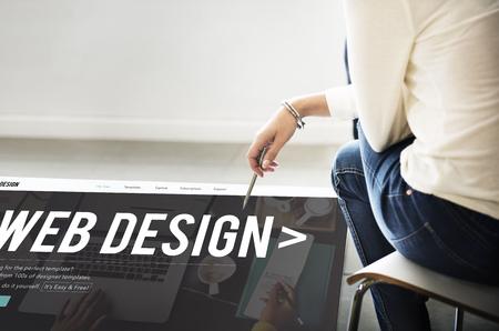 웹 디자인 인터넷 웹 사이트 반응 형 소프트웨어 개념
