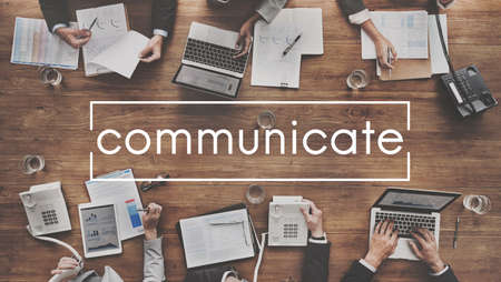 communicate: Conectar Comunicar Conversaci�n Discusi�n Concept