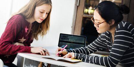 Colegio de la comunicación Concepto Campus Conversación