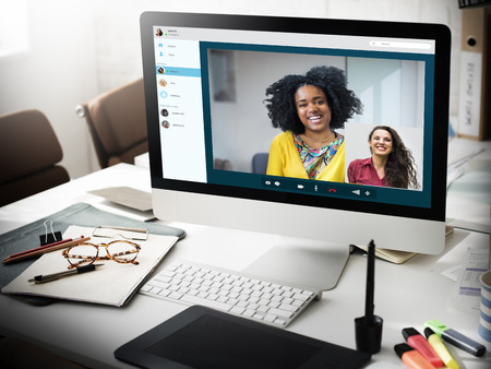 Meisjesvrienden Videochat Verbindingsconcept Stockfoto