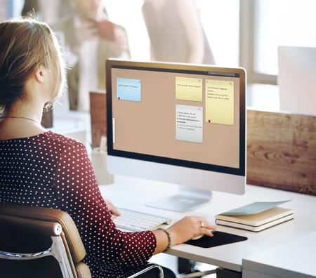 recordar: Recordatorio Recuerde libreta de planificación concepto de lista