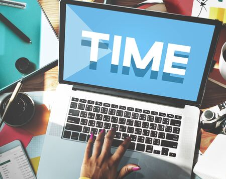 puntual: Gesti�n de tiempo puntual Duraci�n Horario Concept Foto de archivo