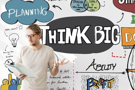 optimismo: Think Big optimismo concepto positivo creativo Intención