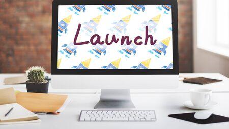 empezar: Lanzamiento Begin Introducir inicio de la campa�a Kick Off Concept Foto de archivo