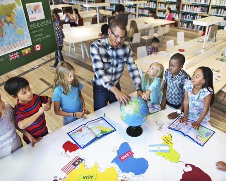 Classroom Learning Geographhy étudiants Concept Study Banque d'images - 54799697
