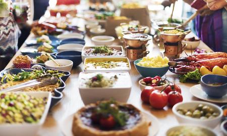 companionship: Catering Comer Compa�erismo buf� Concepto festivo Foto de archivo