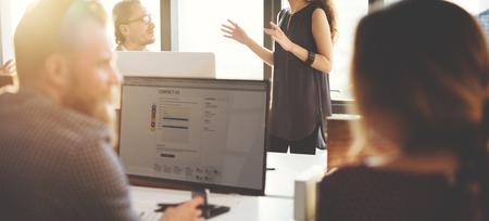 Servizio Clienti concetto di squadra di supporto Cura