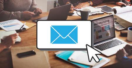 correspondence: E-mail Comunicación Conexión Correspondencia cocnept
