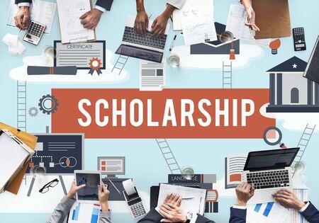 Bourse Aid College Education Loan Concept d'Argent
