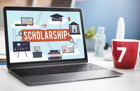 Beca educación colegio concepto del dinero de Préstamo de Ayuda