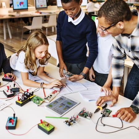 Bildung School Student Schaltung Strom Transistor Konzept Lizenzfreie Bilder