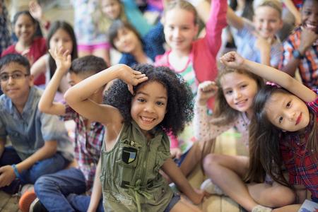 Rozmanitost Diverse Barva pleti etnické děti Offspring Concept