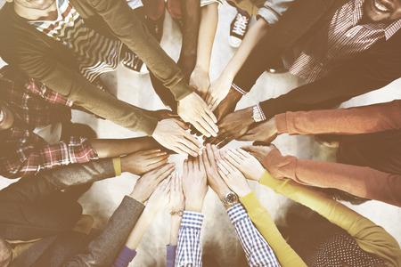 Diverse und Gelegenheits Menschen und Zusammenhalt Konzept