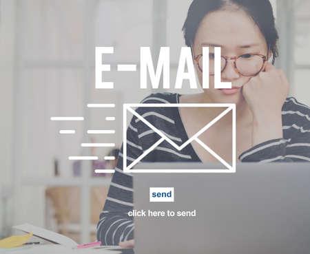 correspondencia: Correspondencia por correo electrónico envelpoe Mensaje Enviar Concept