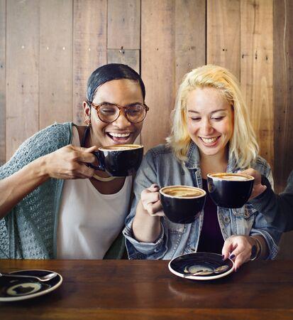 Encuentro de los amigos de la felicidad Cafetería Concept