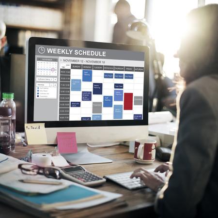 週単位のスケジュール予定概念をリストをするため