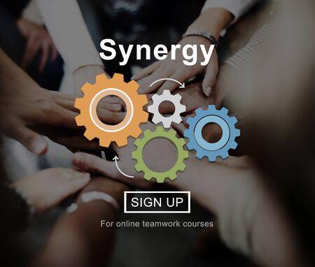sinergia: La sinergia de colaboraci�n concepto cooperaci�n trabajo en equipo