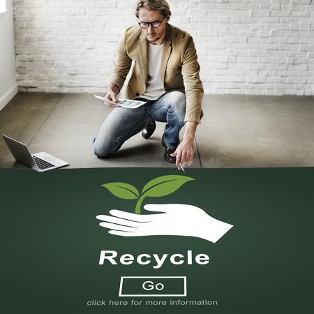 ecosistema: La reutilización recicla reduce concepto del ambiente del Ecosistema