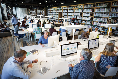 Bibliothèque Universitaire Computer Education Internet Concept Banque d'images - 56186079