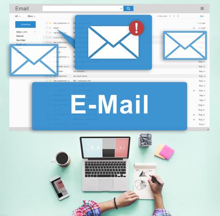 メールの受信トレイの電子通信グラフィック コンセプト