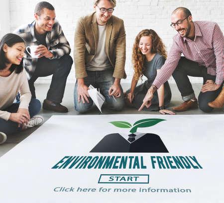 recursos naturales: Respetuoso del medio ambiente Va el concepto verde de Recursos Naturales Foto de archivo