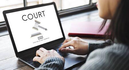 orden judicial: Corte Autoridad Juez Crimen Derecho concepto de orden legal Foto de archivo