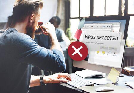 Ongedekte Virus gedetecteerd Hack Onveilige Concept