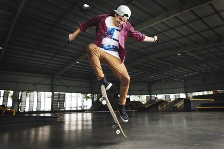 Skateboarding pratique Freestyle Sports extrêmes Concept