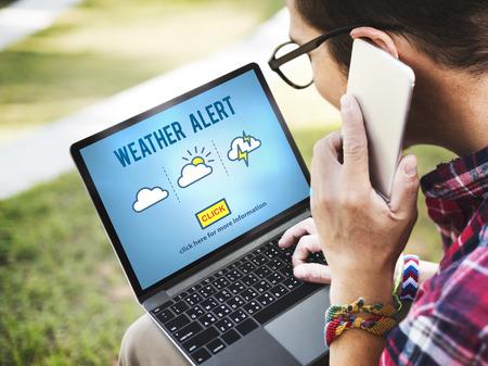 날씨 경고 예측 예보 뉴스 정보 개념