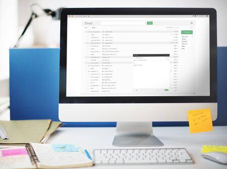 correspondence: La correspondencia de correo electrónico Concepto mensaje de correo