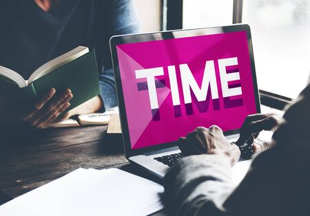 punctual: Gesti�n de tiempo puntual Duraci�n Horario Concept Foto de archivo