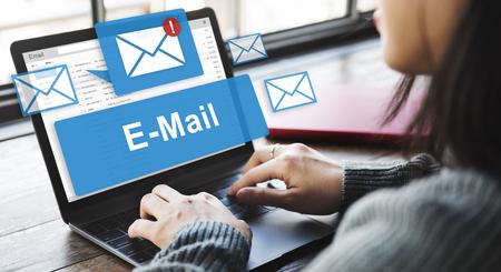 Bandeja de entrada de correo electrónico Comunicación Electrónica Gráficos Concept
