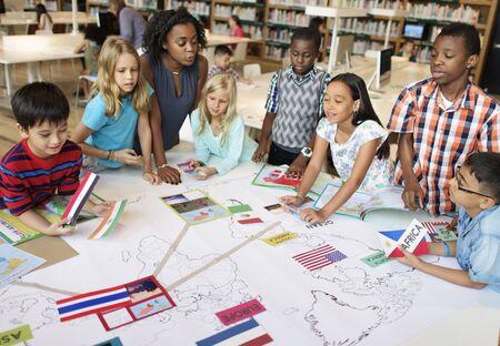 Académico Escuela Primaria Childern Concepto de aprendizaje