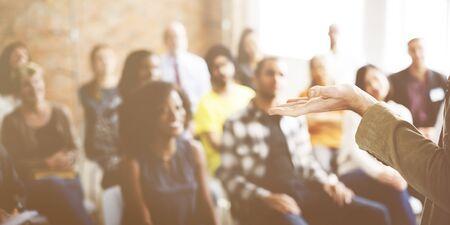 personas escuchando: Business Team Seminar Listening Meeting Concept Foto de archivo