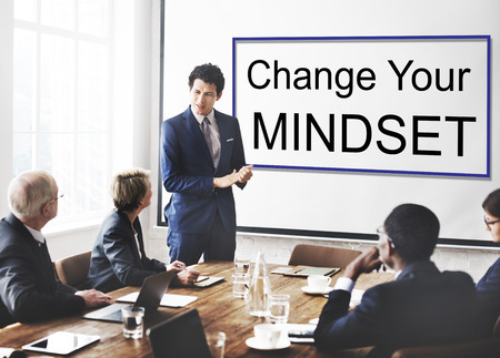 actitud positiva: La creencia mentalidad disciplina Experiencia Concepto del conocimiento Foto de archivo