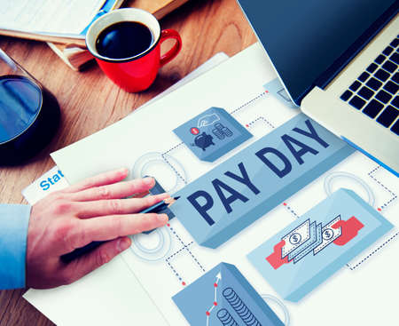 salarios: D�a de cobro de cheque Rendimientos del trabajo Salarios Pagos Concept Foto de archivo