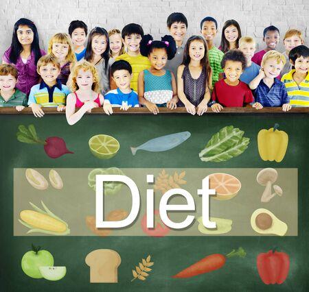 obesidad infantil: Dieta sana elección Eatting el concepto de nutrición obesidad