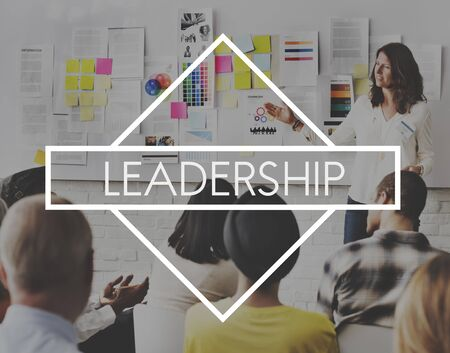 autoridad: Leadership Authority Coach Lead Management Concept