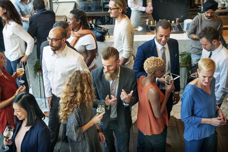 Geschäftsleute Treffen Essen Diskussion Küche Party-Konzept