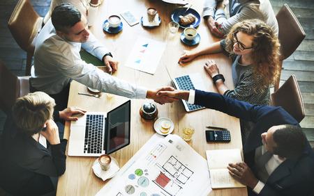 Biznes Ludzie Spotkanie Forum Corporate Uścisk dłoni Concept