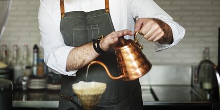 コンセプトを注いでコーヒー エプロン点滴 Brew カフェ食堂